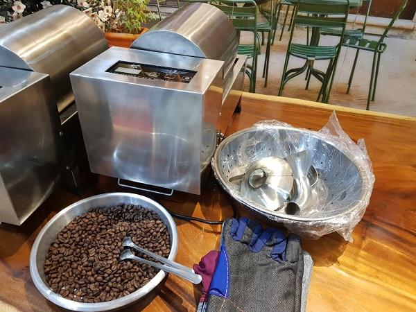 Sử dụng máy rang cà phê tại nhà tiện lợi